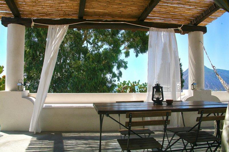 Casa Zuleika Panoramic Hideaway, location de vacances à Quattropani