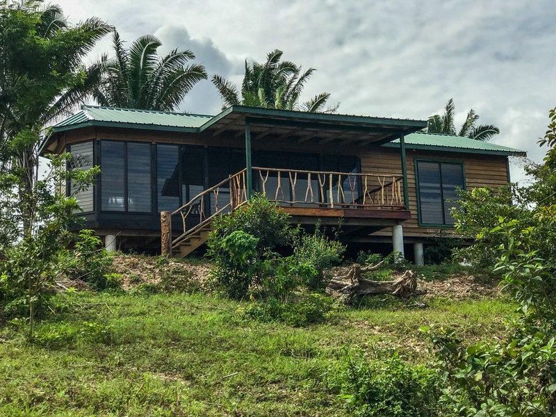 Tropical View. AC. 90 acres. New home. Fish, Swim, Explore, casa vacanza a Ontario Village