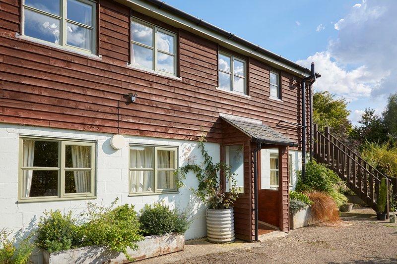 Apartment 1 - Ground floor Buckerfields Barn, holiday rental in Aldbourne