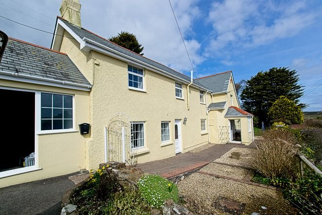 Ivycott   a wonderful spacious detached cottage with gardens 1.5.miles to beach, vacation rental in West Down