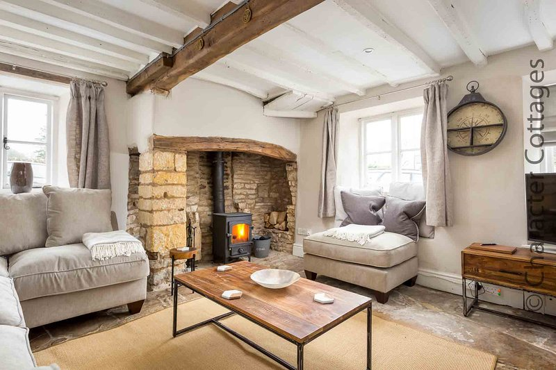 Heath Cottage is a lovely, Grade II listed cottage, located in Stow-on-the-Wold, casa vacanza a Stow-on-the-Wold