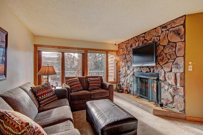 Living room - alt view