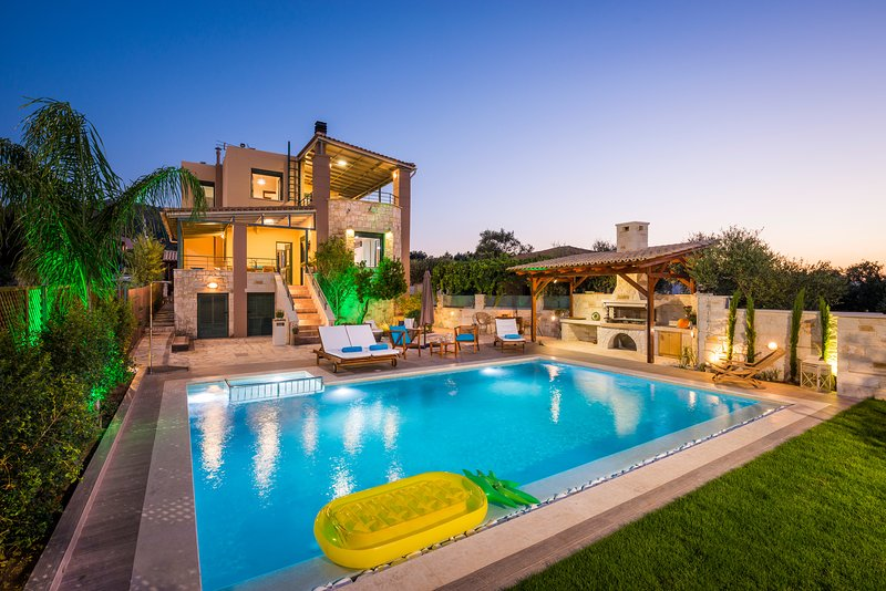 Antonia Blue Villa, holiday rental in Perivolia