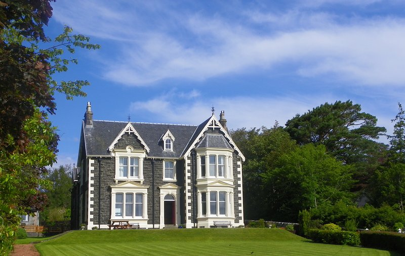 Oakfield House, Tobermory, Isle of Mull.  Luxury Self Catering, holiday rental in Tobermory