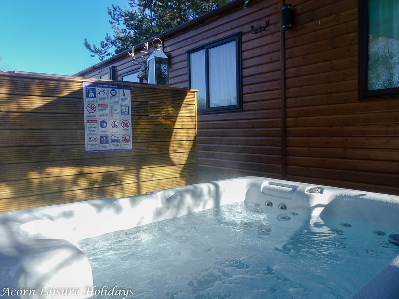 Crystal clear water, clear skies = perfect hot tub conditions :)
