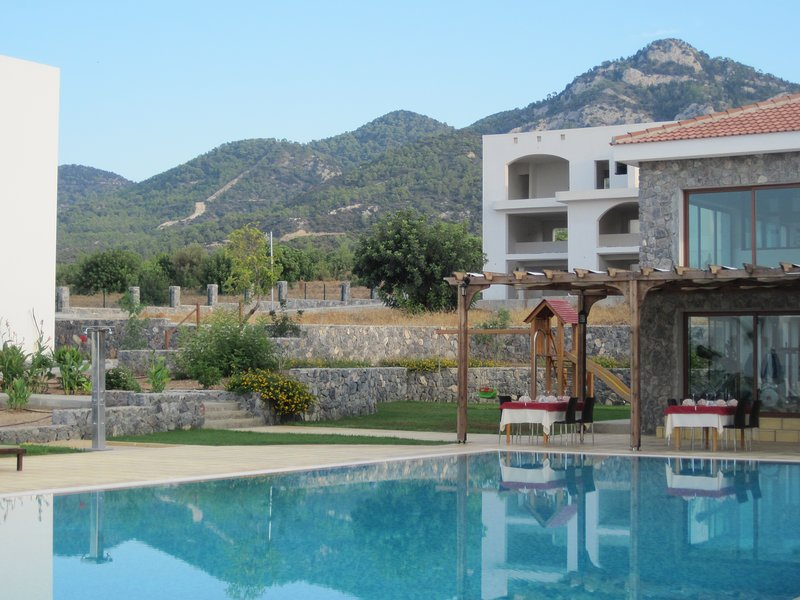 B7-2, Joya Cyprus Sunflower Garden Apartment, Crystal Bay Marina, Kucuk Erencoy, holiday rental in Agios Amvrosios