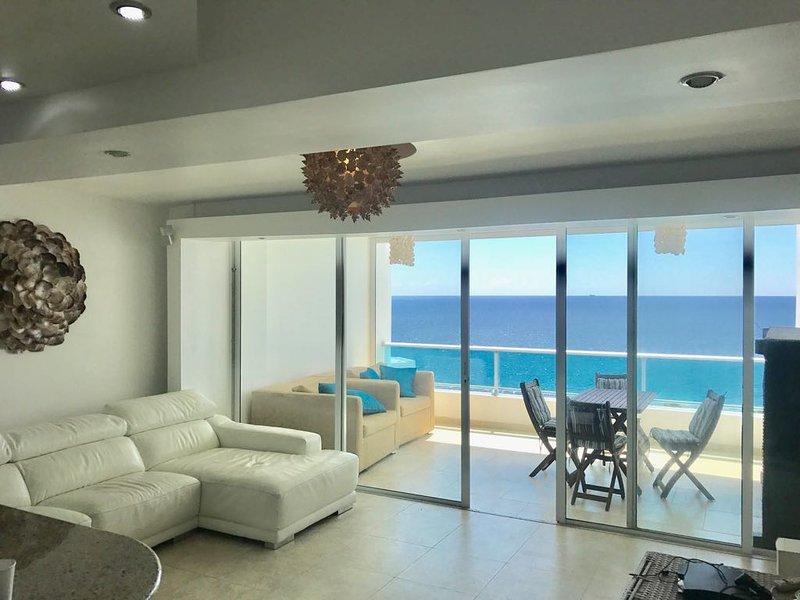 Juan dolio, Marbella luxury beach front apartment, holiday rental in San Cristobal