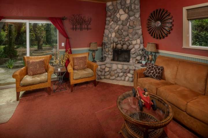 Relax next to the fireplace while enjoying your time in the heart of the Willamette Valley