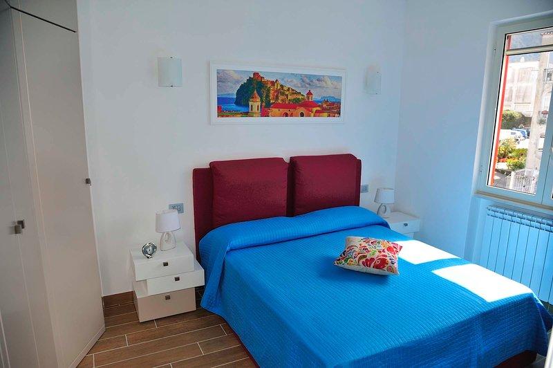 Ischia: A casa di Alice, appartamento vista mare, holiday rental in Ischia Porto