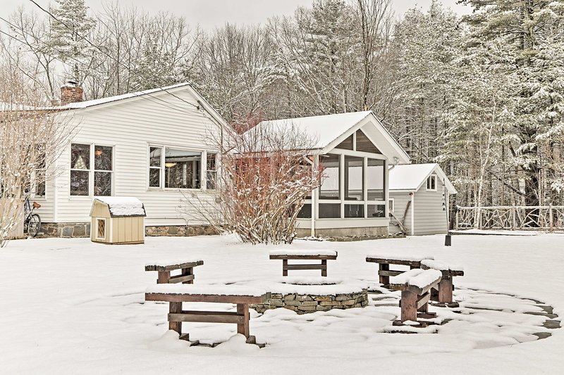 This 2-bed, 2-bath vacation rental house sleeps 6 travelers.