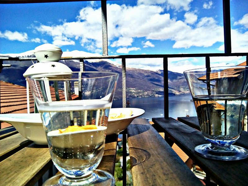 Lake View, Mountain