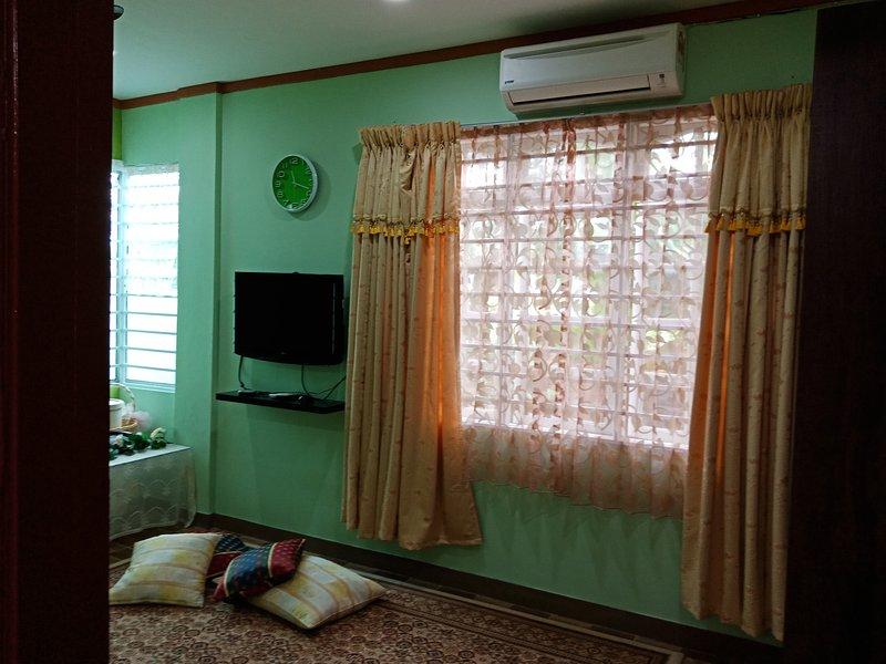 Jaze 1 - Comfortable Stay, holiday rental in Kota Samarahan