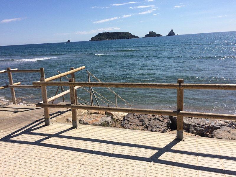 Boardwalk et les îles Medes.