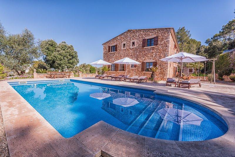 Finca Levante, location de vacances à S' Horta
