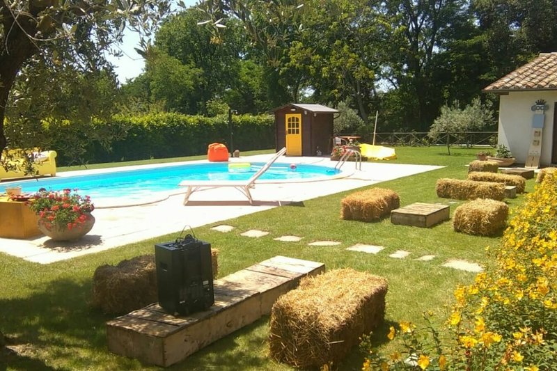 Gino's House, holiday rental in Scheggia