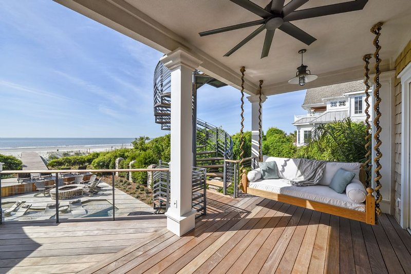 Brand New Oceanfront House on North Forest Beach, Private Beach Patio, vacation rental in Hilton Head