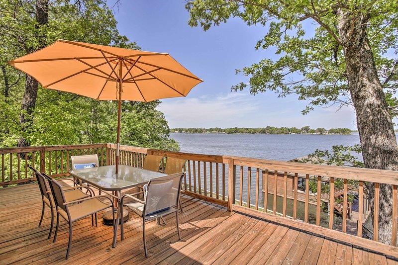 Pittsburg Family House on Lake Bob Sandlin w/Dock!, location de vacances à Winnsboro