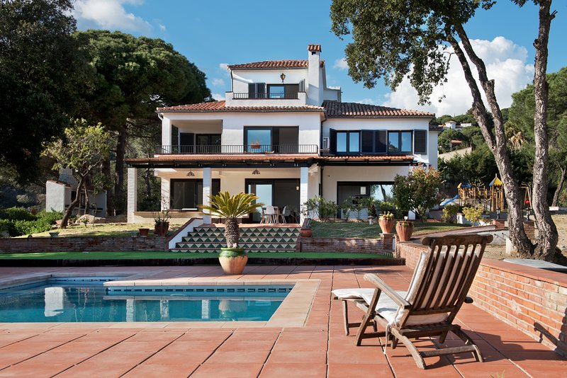 Pristine views on green surroundings and the Mediterranean Sea