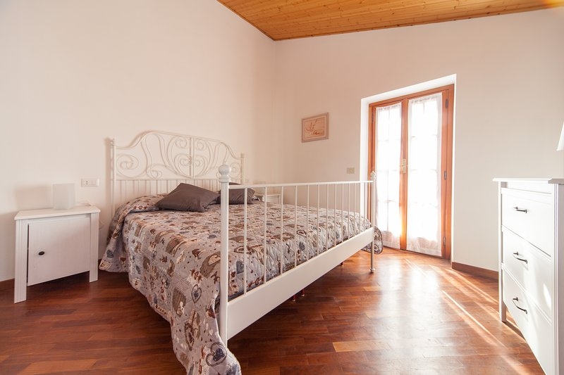 Sweet Apartment in località Piazza(4 Km da Deiva Marina), vacation rental in Framura