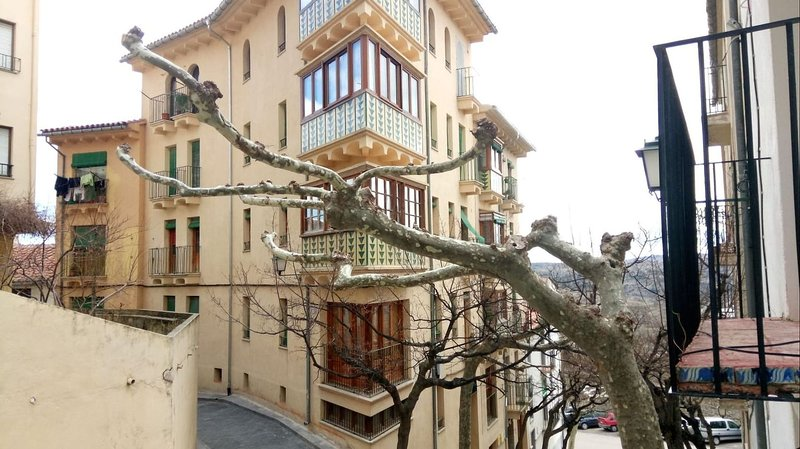 Piso en el casco antiguo de Morella., holiday rental in Corachar
