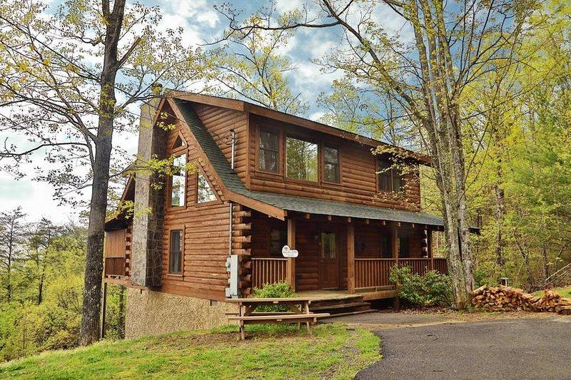 Snowshoe Lodge Exterior