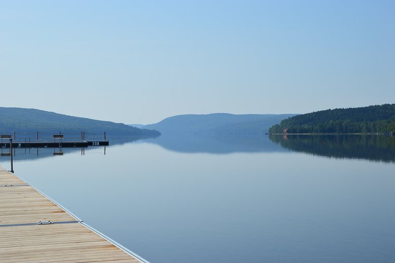free access to the large lake Squatec 8 minutes by car