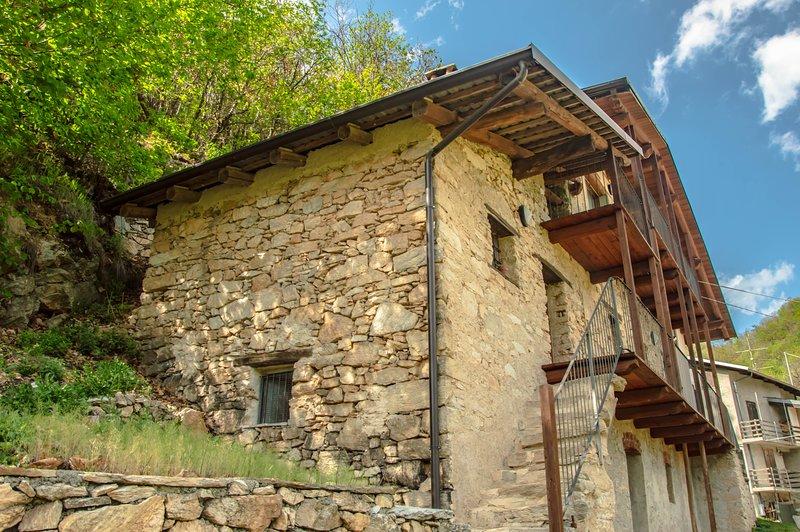 Teresa - Casa vacanze vicino a Saluzzo, holiday rental in Busca