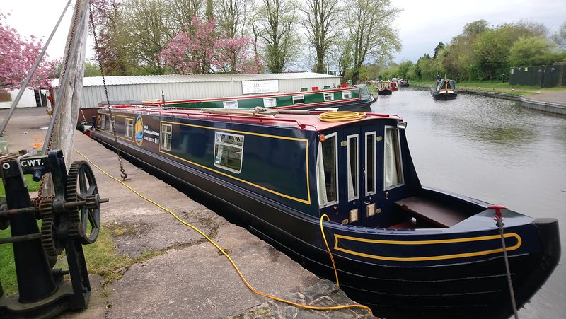 UKvacationsAfloat-Private narrowboat hire from the Heart of the English Midlands, holiday rental in Stafford