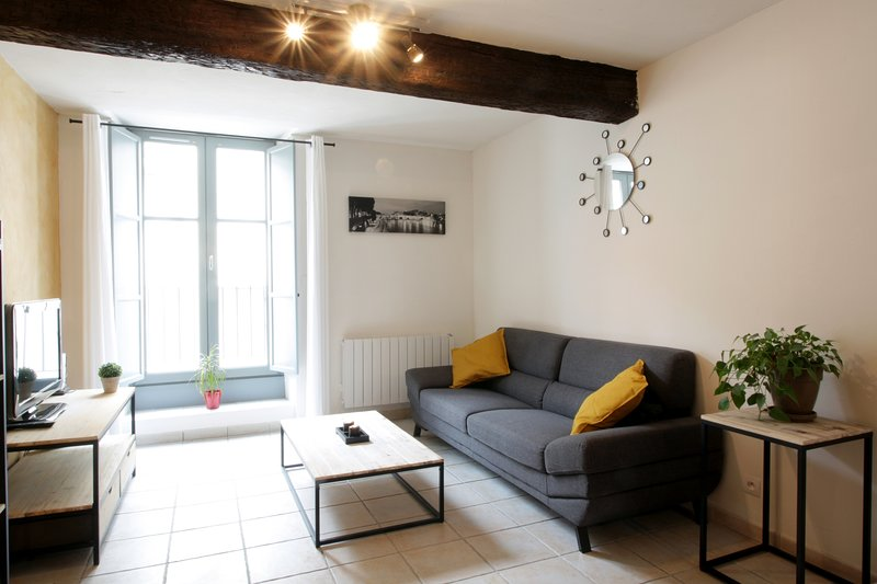 Appartement 3* Centre-Ville - 2 Chambres - WiFi, vacation rental in Carcassonne Center