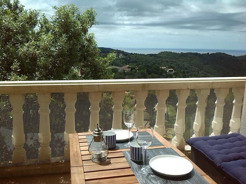 NEW! Casa con piscina privada y vistas a mar y montaña, holiday rental in Sant Iscle de Vallalta