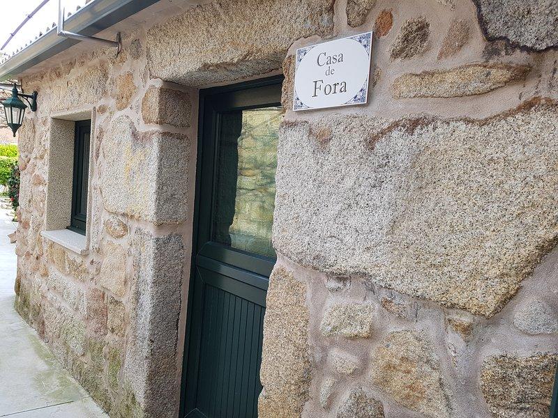 CASA DE FORA (CASA RÚSTICA EN CARNOTA), holiday rental in Carnota