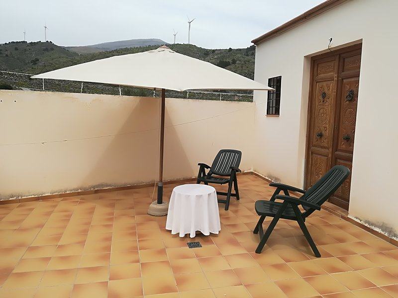 Rural casas Pergar desde 28€,les ofrece un tranquilo y relajante descanso., holiday rental in Beznar