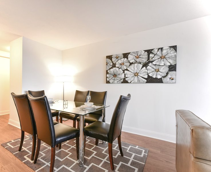 Global Luxury Suites at Emerson Place, holiday rental in Somerville