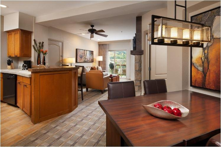 Sheraton Mountain Vista One Bedroom Premium Dining and Living Room