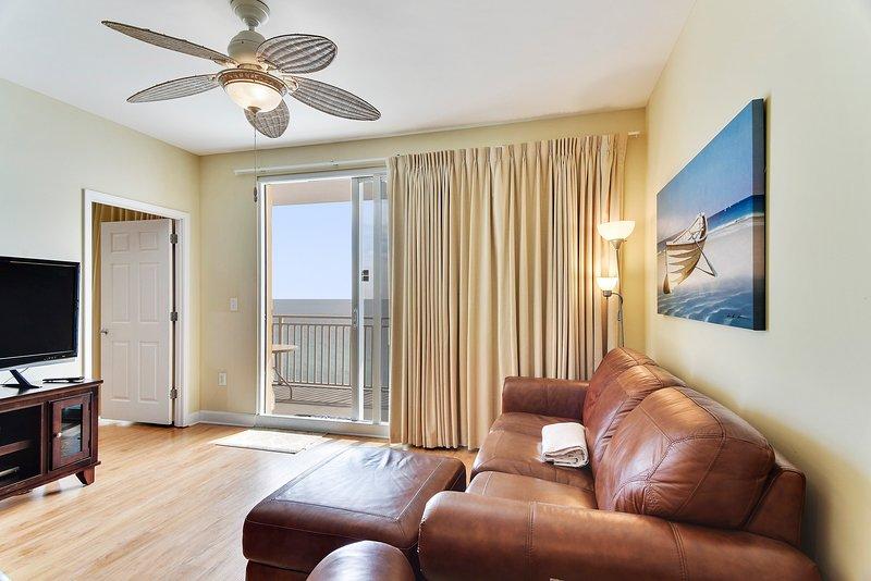 Splash 1102-W-Living Area
