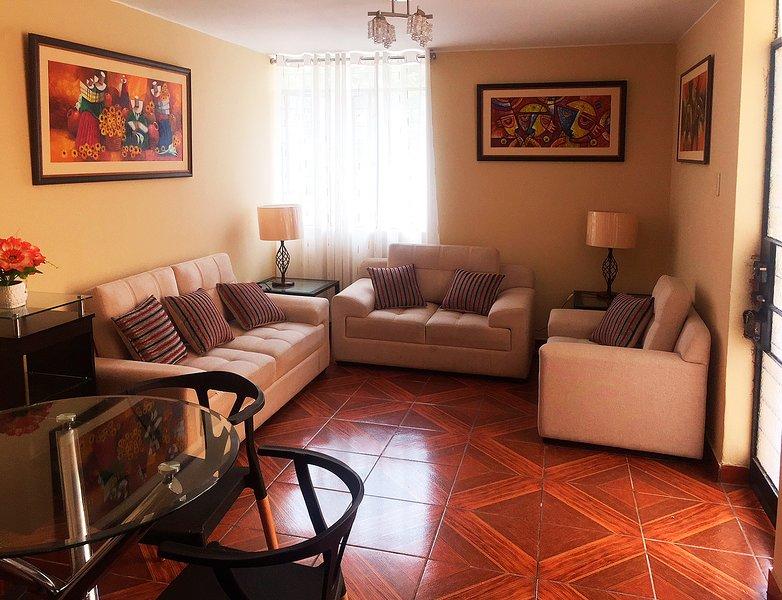 'Casa de Elio' - Piso completo cerca al Aeropuerto y Centro Histórico, holiday rental in Los Olivos