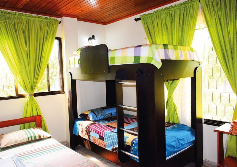 01 room quadruple accommodation, a double bed and a bunk bed