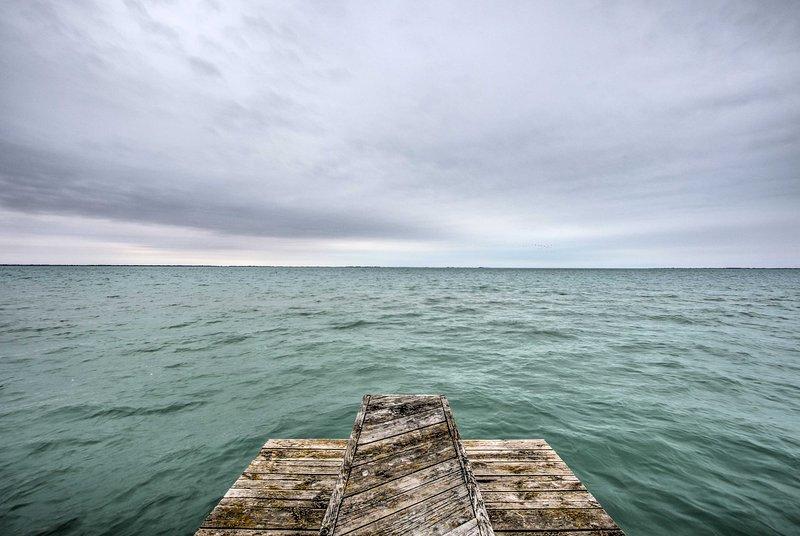 Cruzeiro da costa em um caiaque alugado a partir de uma marina próxima.