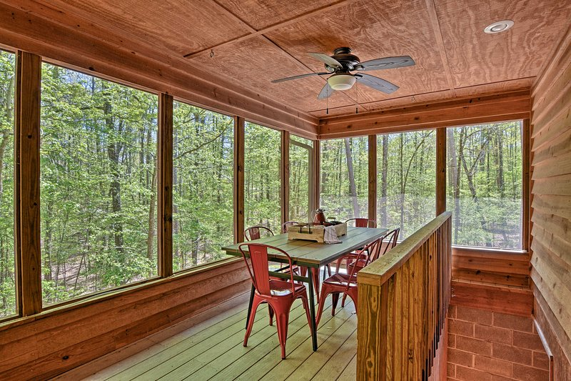 Boasting 360-degree natural views and beds for 10, this home cabin can't be beaten.