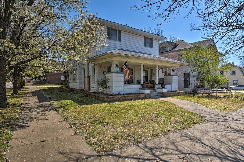 Descubre todo lo que tiene que ofrecer Bartlesville de esta impresionante propiedad!