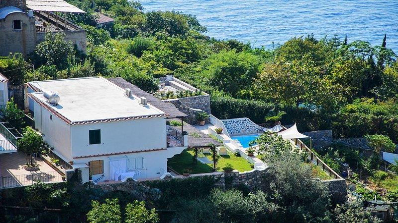 Villa Iride (02) Building view