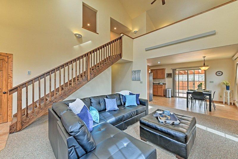 Entspannen Sie sich in diesem 3-Schlafzimmer, 2-Bad Ferienhaus Stadthaus in Buena Vista.