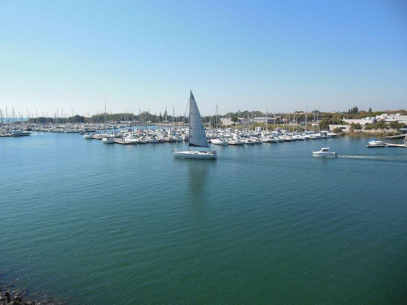 T2 Cap d'agde 1ère ligne vue exceptionnelle, holiday rental in Agde