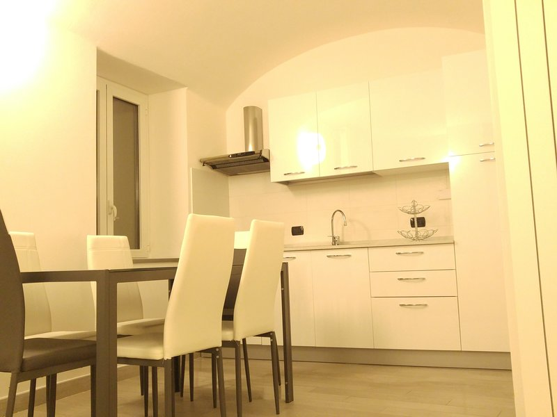 Il Cuore del Borgo - Holiday Home - Gobeletto - (Cod. CITRA 008010-LT-0012), location de vacances à Borgomaro