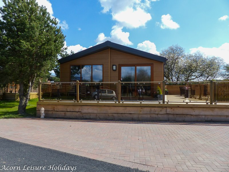 Barneys Retreat is a brand new spacious 2 bedroom lodge with hot tub. Dog friendly accommodation.