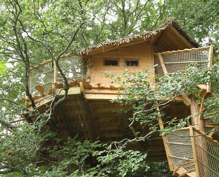 Les Cabanes dans les Arbres de Caluche, aluguéis de temporada em Saint-Bonnet-de-Salers