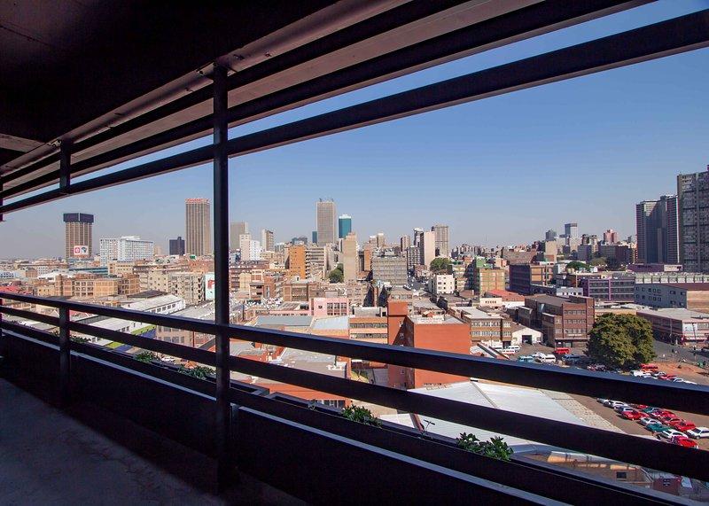 Modern city apartment, vacation rental in Johannesburg