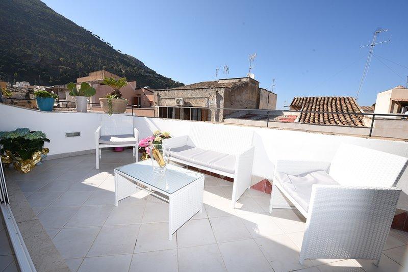 Palazzo TAORMINA - appartamento - vista mare C.mare del Golfo, vacation rental in Castellammare del Golfo