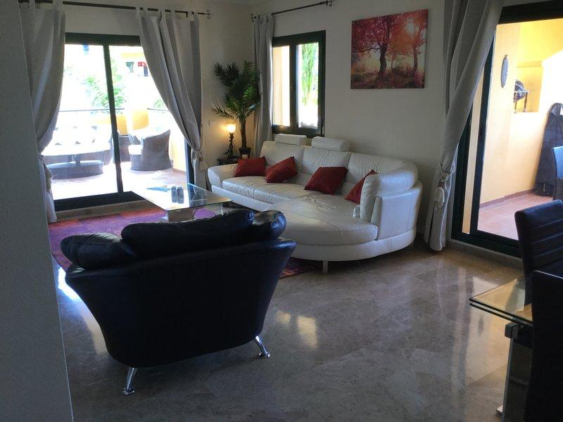 3.bedroom / bathroom Luxury Apartment Los Naranjos SAN Pedro  de Alcantara, vacation rental in San Pedro de Alcantara