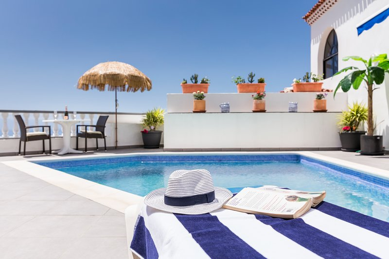 Villa Pinnacle in the sought after part of Los Gigantes, a wellbeing oasis., vacation rental in Tenerife